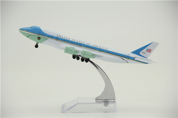 United One Boeing 747 Airplane Model (16CM)