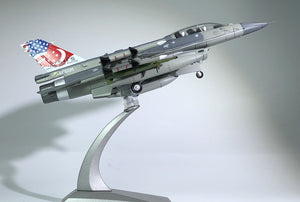 1/72 Scale RSAF F-16D Fighting Falcon Fighter Airplane Model