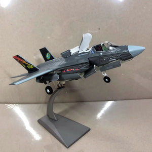 1/72 Scale F-35B Lightning II Joint Strike Stealth Multirole Airplane Model