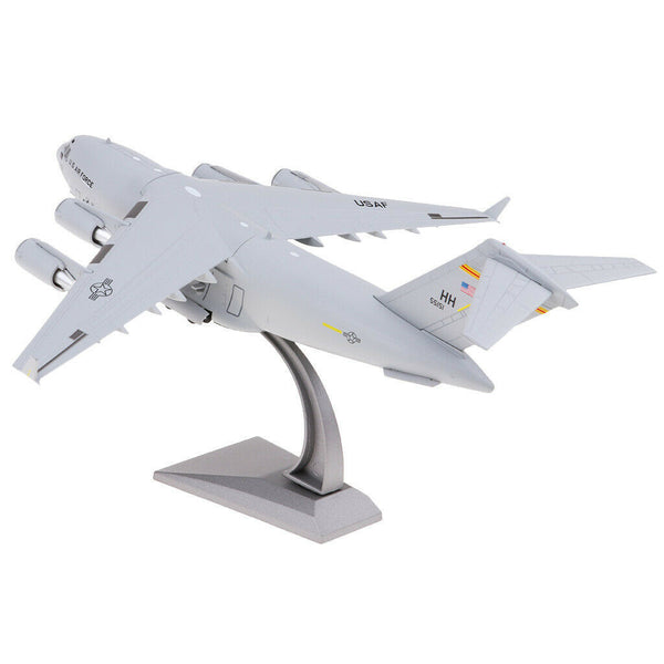 1/200 Scale C-17 Globemaster III Strategic and Tactical Airplane Model