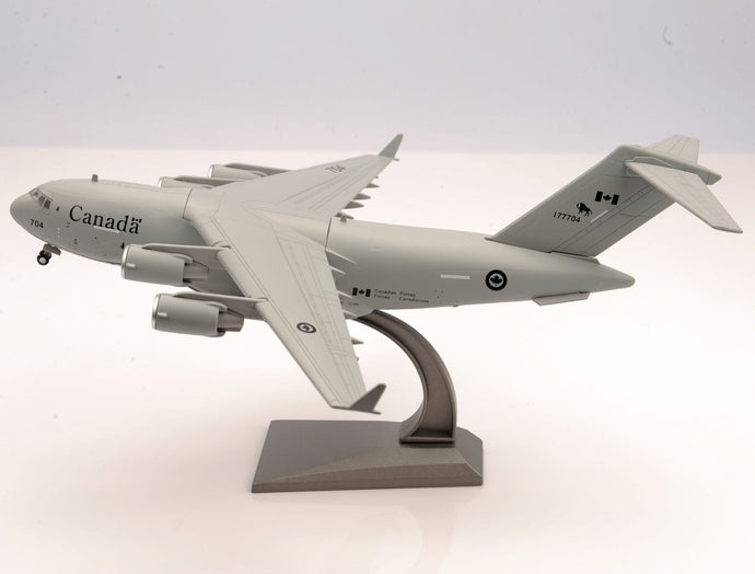 1/200 Scale Canada RCAF C-17 Globemaster III Transporter Airplane Model