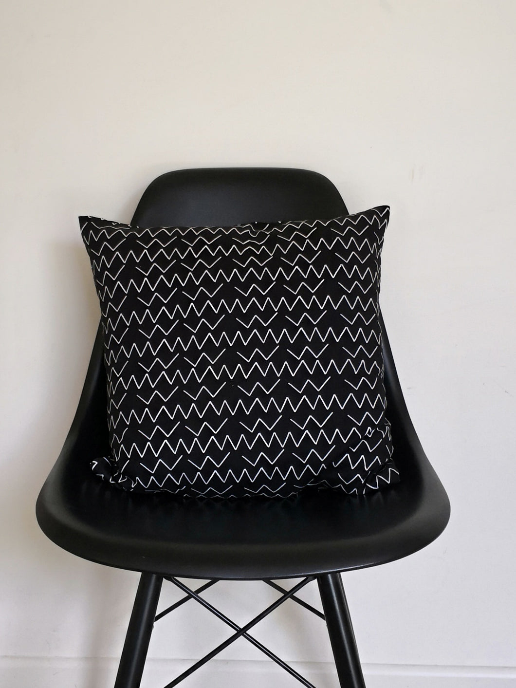 Organic Cotton Zig Zag Cushion