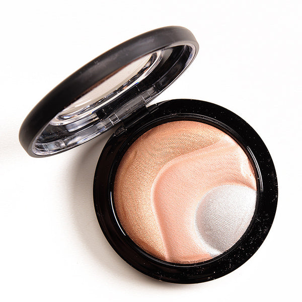 Mac Mineralize Skinfinish in Otherearthly (Mac Future Collection)