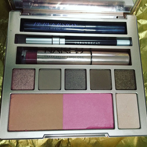 Urban Decay Naked On The Run Makeup Kit