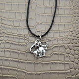 Moushart Deals necklace Taurus / Silver Vintage Silver Zodiac Signs Pendant 17""
