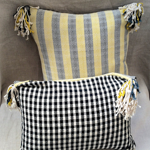 PILLOWS (X2) POMPON YELLOW / 2 HOUSSES COUSSINS JAUNE