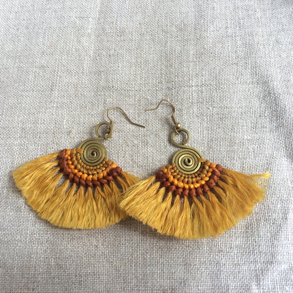 EARRING ETHNIC YELLOW / BOUCLE OREILLE ETHNIC JAUNE