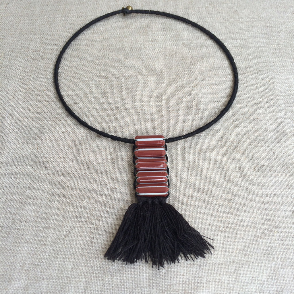 1.NECKLACE ETHNIC RED / RAS DU COU ETHNIQUE ROUGE