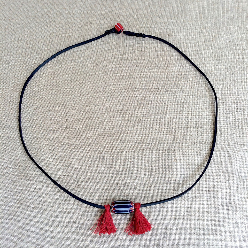 NECKLACE BLUE AND RED / RAS DU COU BLEU ET ROUGE