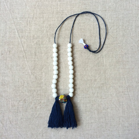 NECKLACE WHITE PEARL / PENDENTIF PERLES BLANC