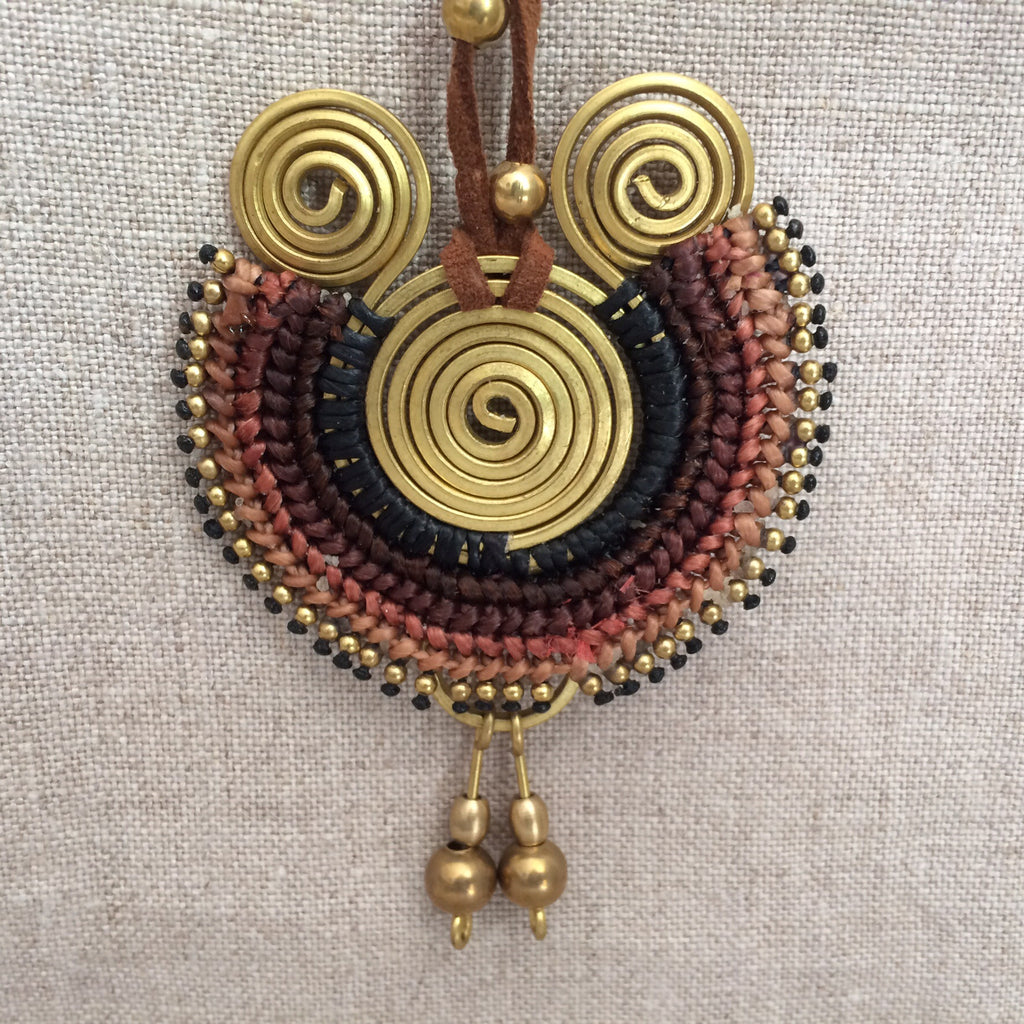 NECKLACE ETHNIC BROWN / COLLIER ETHNIC BRUN