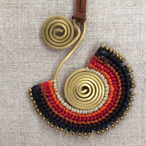 NECKLACE ETHNIC RED / COLLIER ETHNIQUE ROUGE