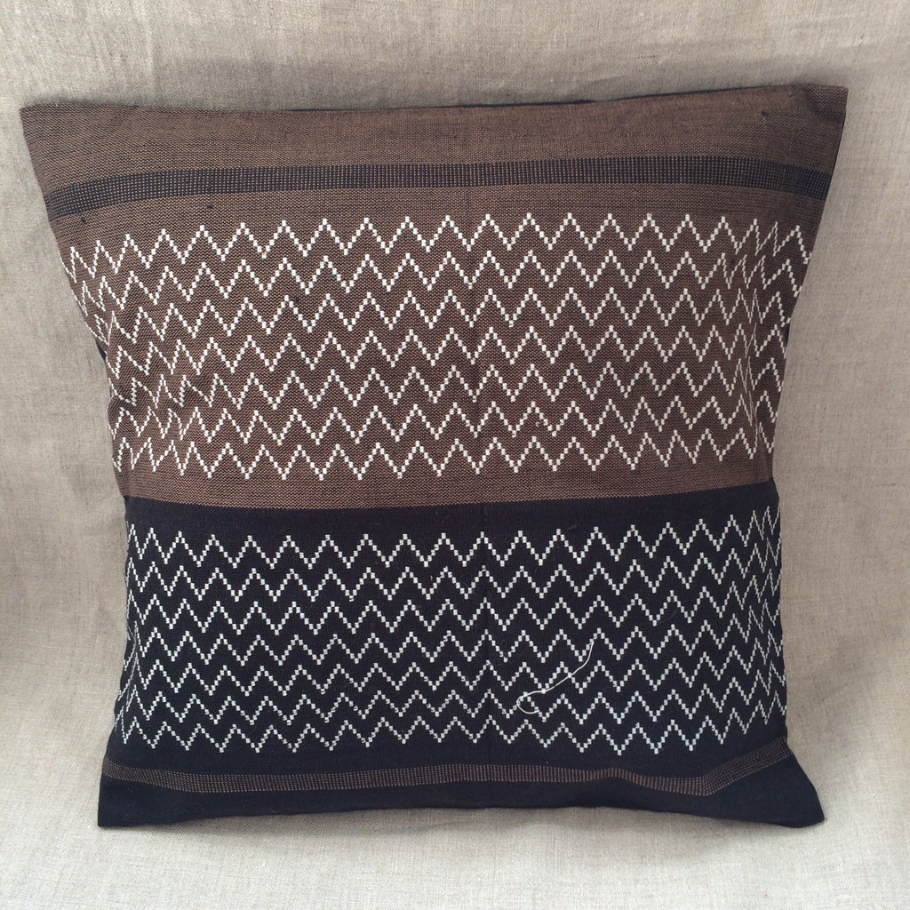 PILLOW COVER ZIGZAG / HOUSSE COUSSIN ZIGZAG