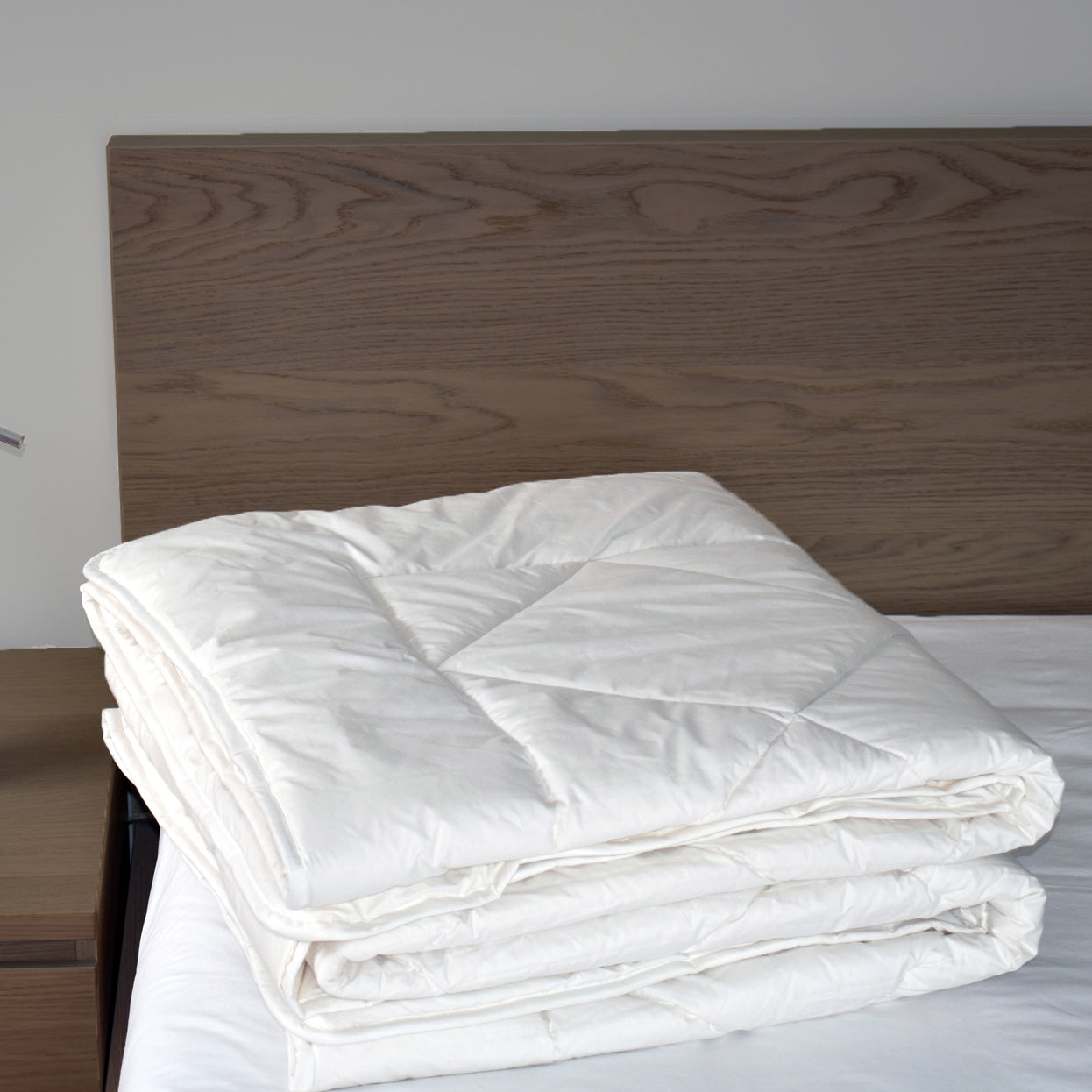 Wool Comforter, Twin - AVAILABLE FOR SHIPMENT IN CANADA ONLY