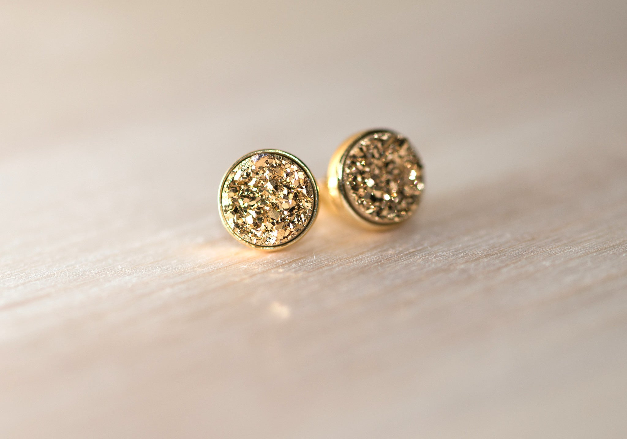 Druzy Earstuds in Gold