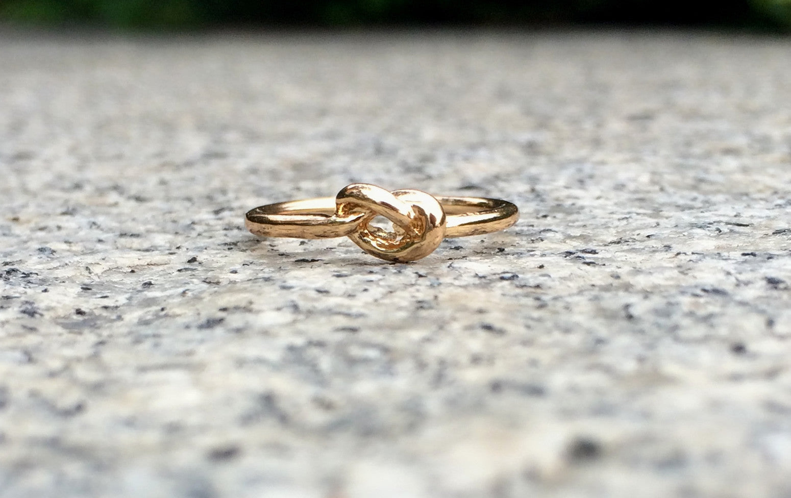 Minimalist Knot Ring in Gold