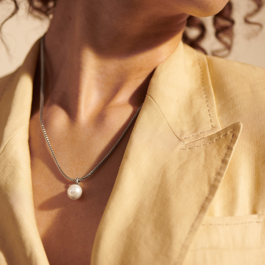 Classic Chain Pendant Necklace with Freshwater Pearl