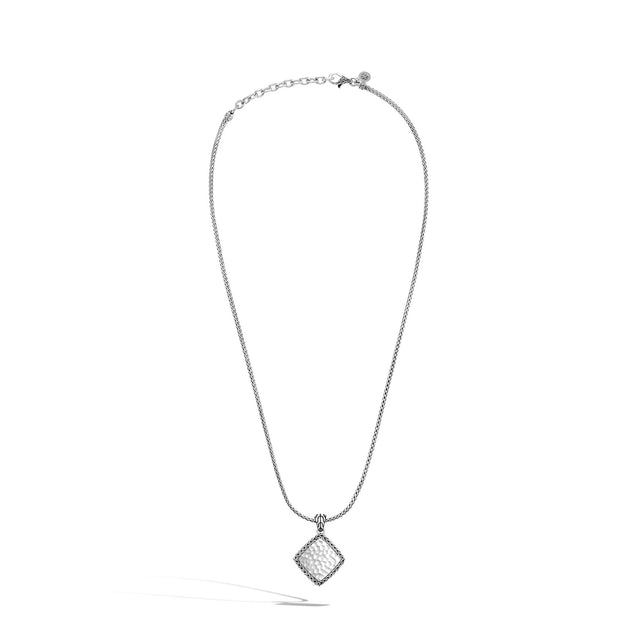 Classic Chain Pendant Necklace with Diamonds