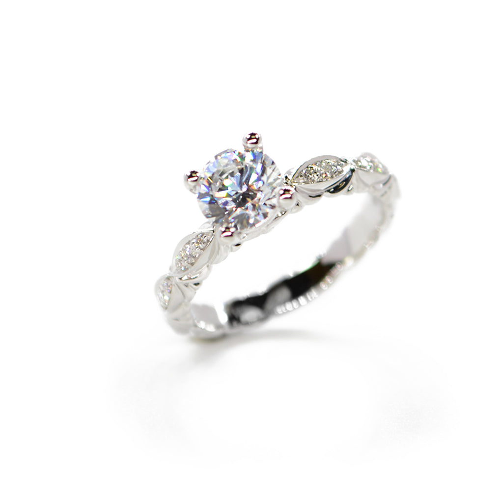 18kt White Gold and Diamond Vintage Style Engagement Ring
