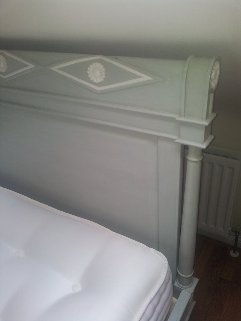 Het Loo 5 ft Bed in French Green + Antique White  SAVE 20%