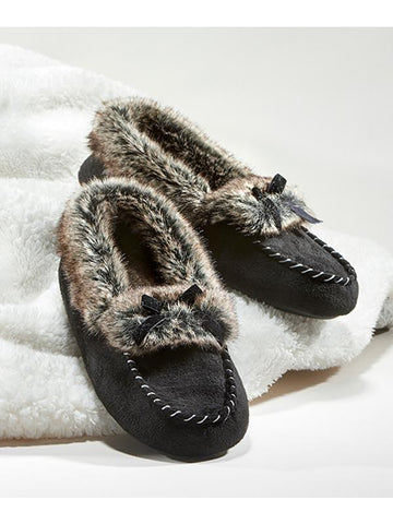 Faux fur lined slippers in black
