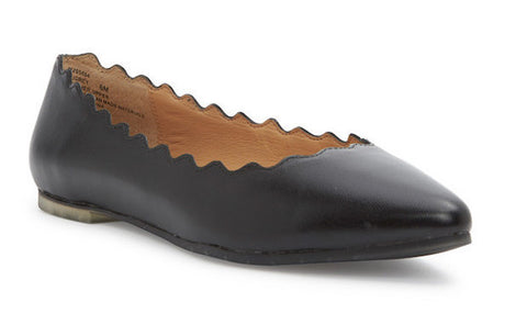Audrey scalloped edge black almond toe flats