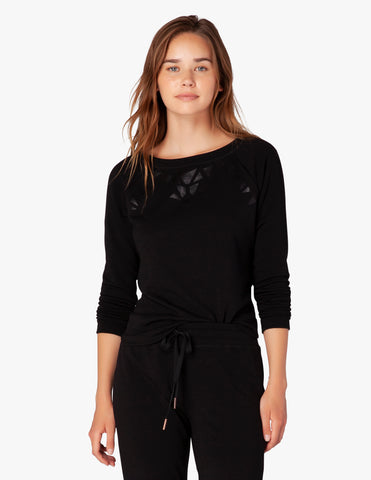 Calico pullover in black