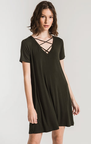 Crisscross tee dress in rosin (olive)
