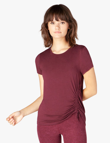 Pull strings tee in burgundy