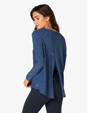 Draw the line tie back pullover in victory blue