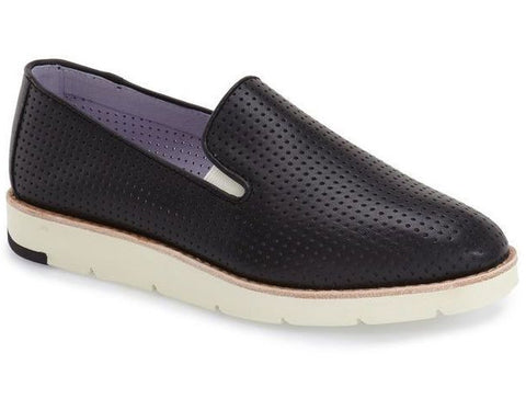 Paulette slip-on in black