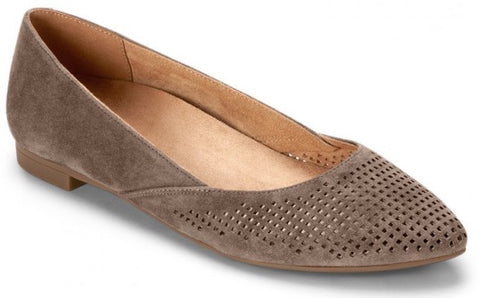 Posey pointy toe flats in taupe