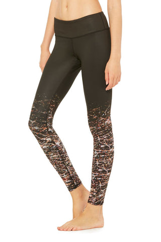 Tech lift airbrush legging in city lights