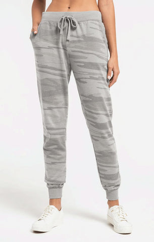 Camo joggers in heather grey