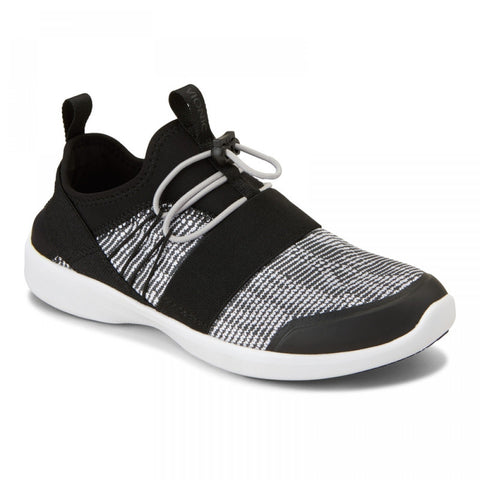 Alaina active black/white slip on sneakers