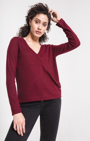 Brushed rib wrap tee in oxblood red