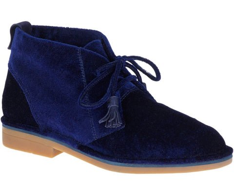 Cyra catelyn velvet boots in vibrant navy