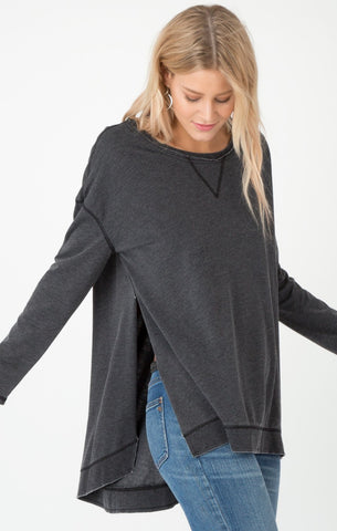 Weekender long sleeve top in charcoal