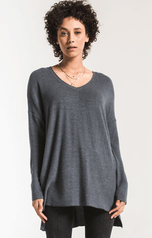 Marled sweater knit v-neck tunic in storm grey