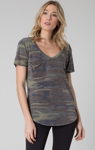 Short sleeve pocket tee in green camo