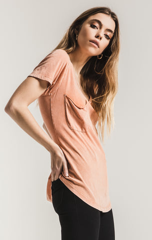 Short sleeve washed cotton pocket tee in coral rose