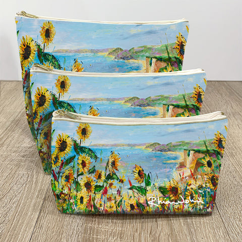 Wash / Makeup Bag of Cliff View