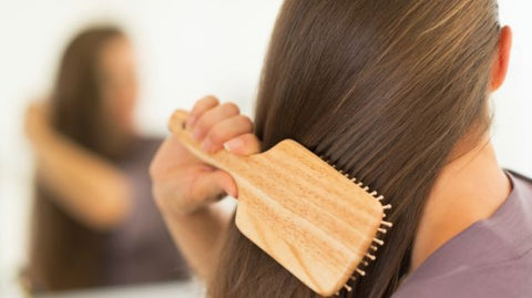 avoid hair brushing on wet hair