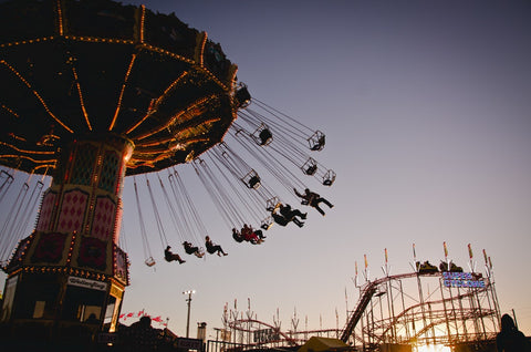Swing ride at the amusement park | The Smile Blog | TheWhiteningStore.com