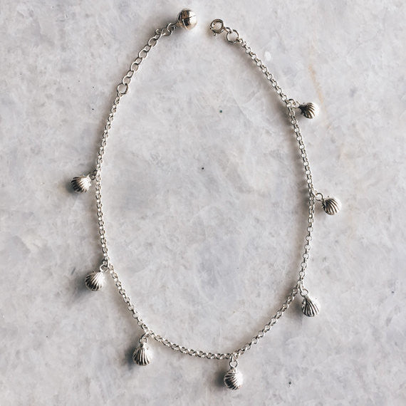 Tiny Clamshell Anklet