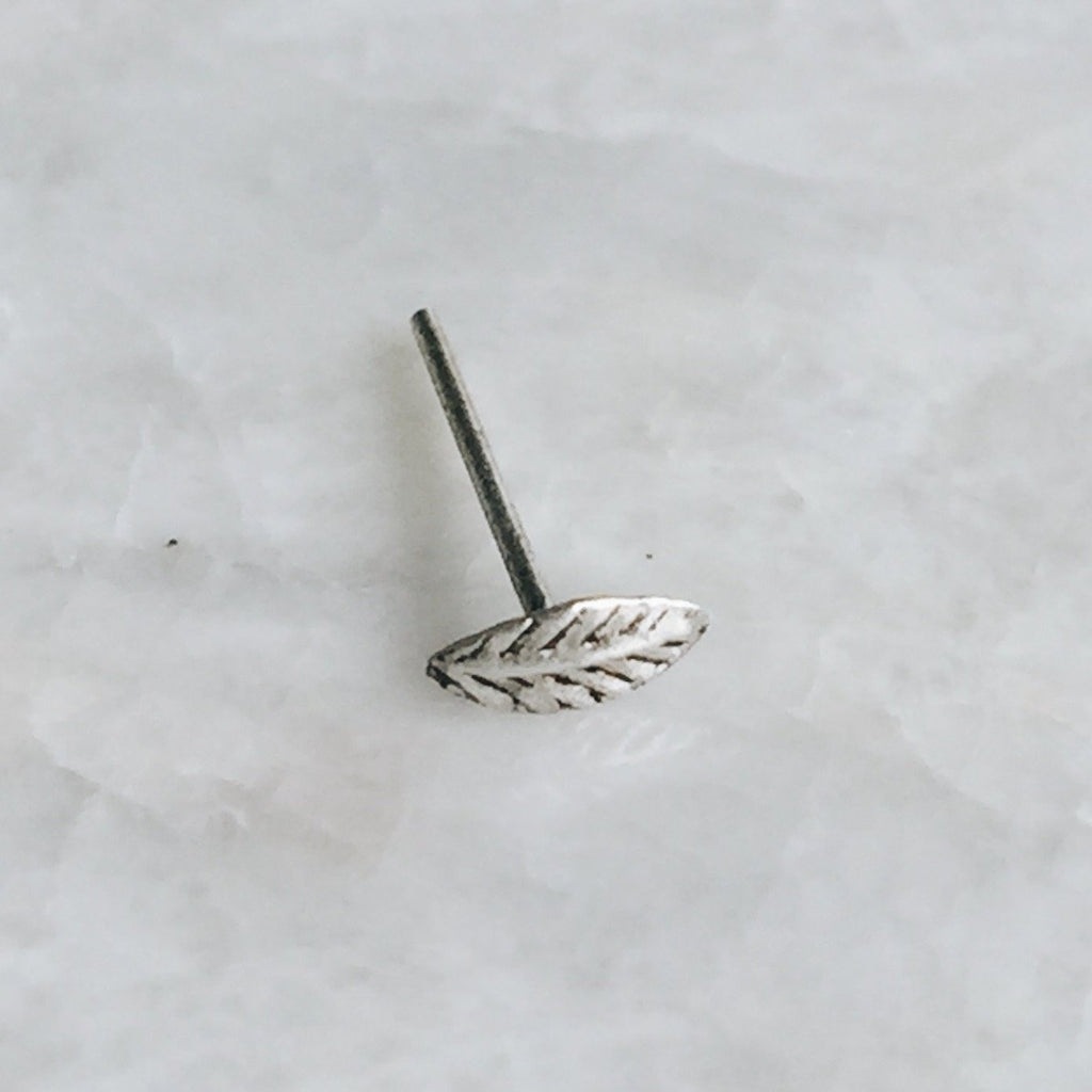 Tiny Leaf Nose Stud