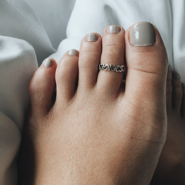 Heart Outline Toe Ring