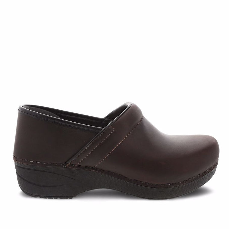 Women's Dansko XP 2.0 Clog - Brown Waterproof Pull Up