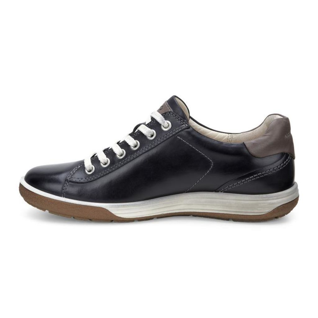Women's Chase II Leather Sneakers
