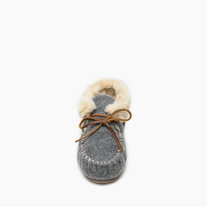 Women's Minnetonka Fleece Chrissy Bootie Slipper - Light Grey
